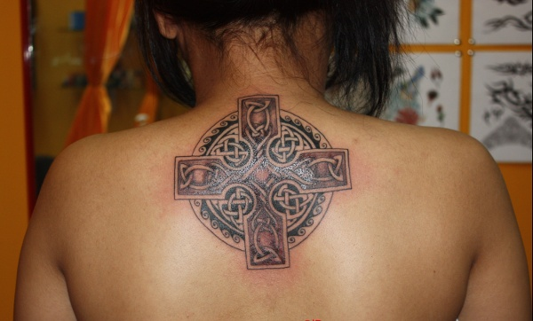 Borneo Art - Celtic cross