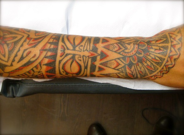 Tanne colour Polynesian